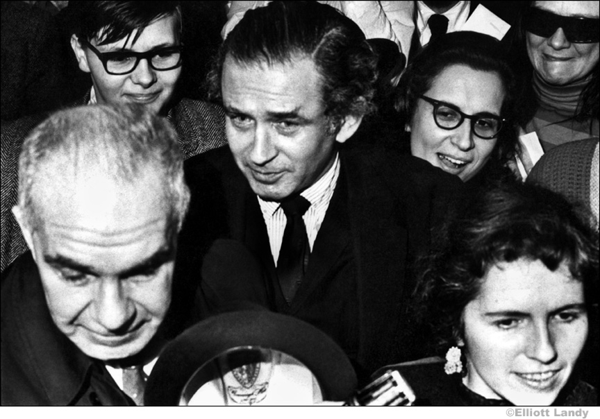 005 Norman Mailer, rally supporting conscientious objectors, NYC, 1967