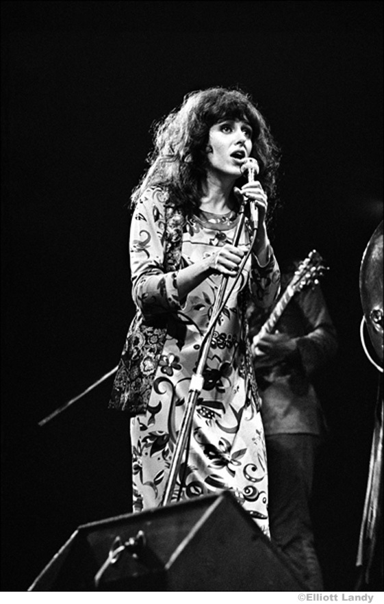 081 Grace Slick, Jefferson Airplane, Fillmore East, NYC, 1968