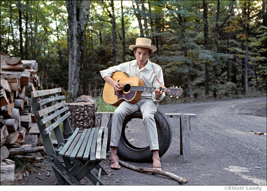 306 Bob Dylan, outside his Byrdcliffe home, Saturday Evening Post session, Woodstock, NY, 1968