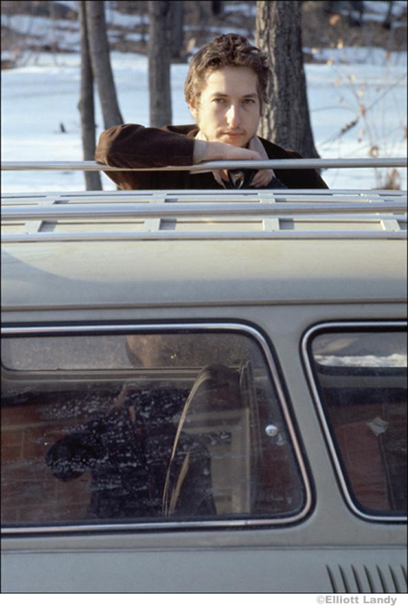 333 Bob Dylan, outside my home, Nashville Skyline photo sessions, Woodstock, NY, 1969