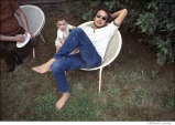 542 Bob Dylan with his son, Sam Dylan, Ohayo Mountain Road home, Woodstock, NY, 1969