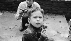 315 Bob Dylan photographing Jesse Dylan and Elliott Landy, during Saturday Evening Post session, Woodstock, NY, 1968