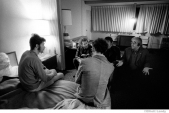 285 The Band, after Robbie's hypnosis w. John Simon, Albert Grossman, Levon & Rick. Hotel in San Francisco, CA,1969