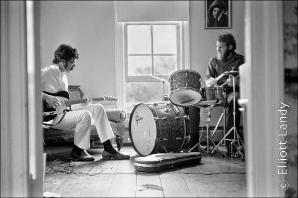 The Band. Robbie Robertson & Levon Helm rehearsing in Rick Danko's Zena Rd. home, Woodstock, 69. Photo By ©Elliott Landy, LandyVision Inc.